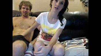 Быстрый попа в диванчика мамочки с молодым любовником на кровати