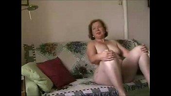 Ревнивый муж натянул на жену ошейник и жестко поимел её в ротик и узкую манду