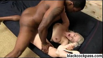 Жирная пышногрудая баба позволяет мужику над собой издеваться